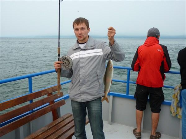 """Рыбалка на омуля с борта """"Бойкого"""""""