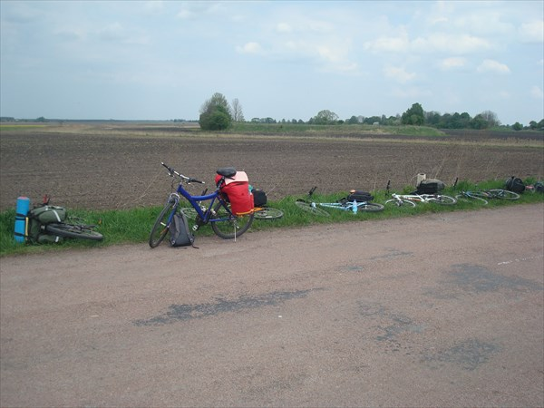 У курганов, выезд на трассу к Коростышеву.