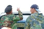 С инспектором заповедника С. Никишиным