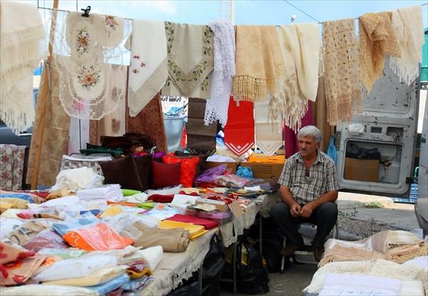 Уличный рынок в ретимно
