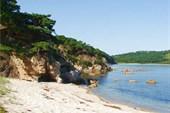 Пляж бухты `Средняя`
