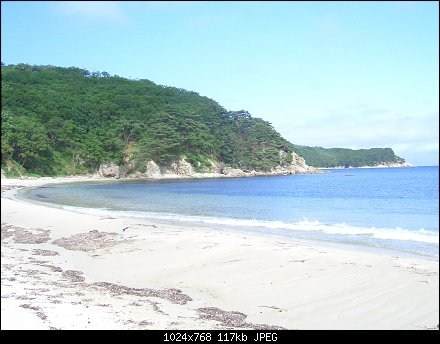 """Белый песок на пляже б. """"Средняя"""""""