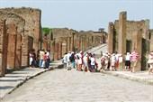 Помпеи. Город развалин и туристов