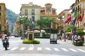 Город Сорренто. Главная площадь
