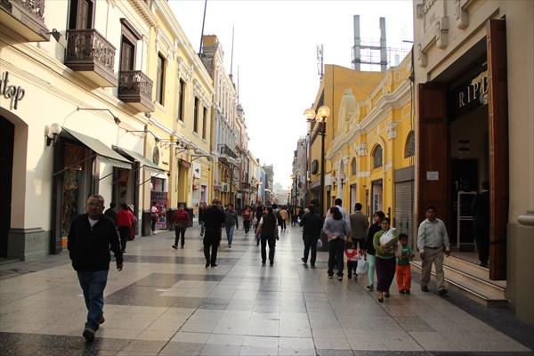 Пешеходная улочка в Лиме