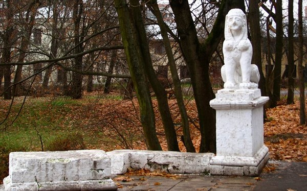 на фото: Усадьба Пехра-Яковлевское.