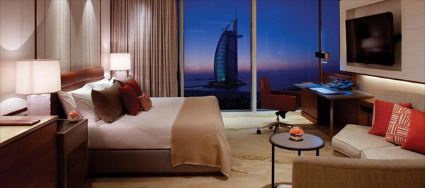 Jumeirah-beach-hotel-ocean-club-superior-room-hero