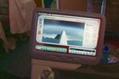 На экране в самолете можно смотреть не только фильмы, но и взлет