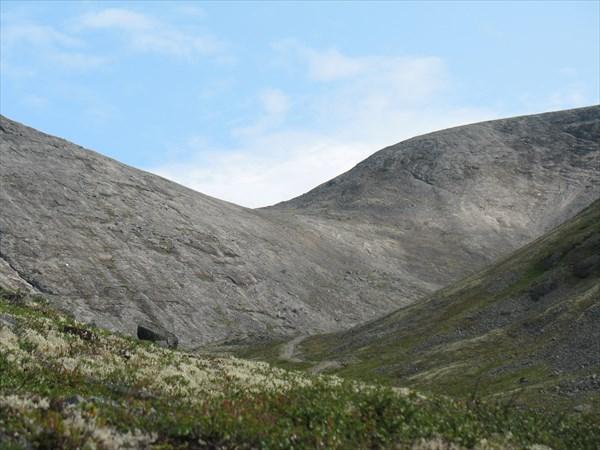 Вид на перевал Ю. Рисчорр