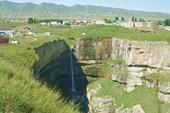 Водопад Тобот (80 метров) близ села Хунзах - 1