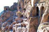 Вардзия — пещерный монастырь