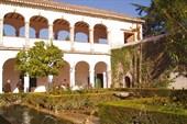 Галерея дворца Комарес (Альгамбра)