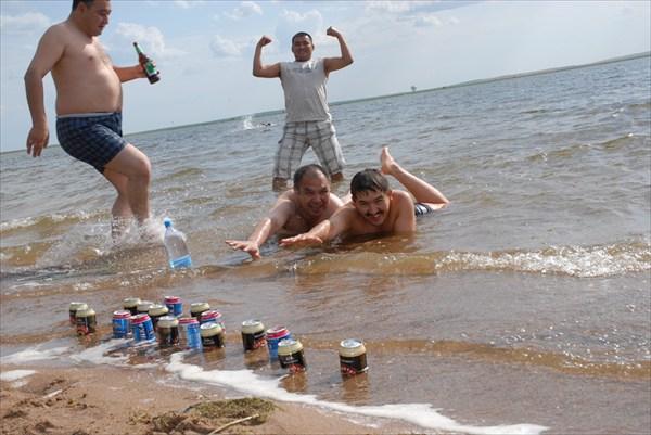 Губит людей не пиво-губит людей вода.