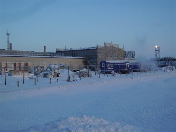 Основной объект на пути маршрута - компрессорная станция.