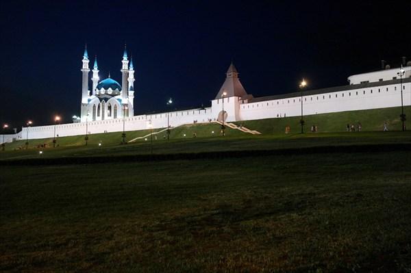 Кремль. Ночь.