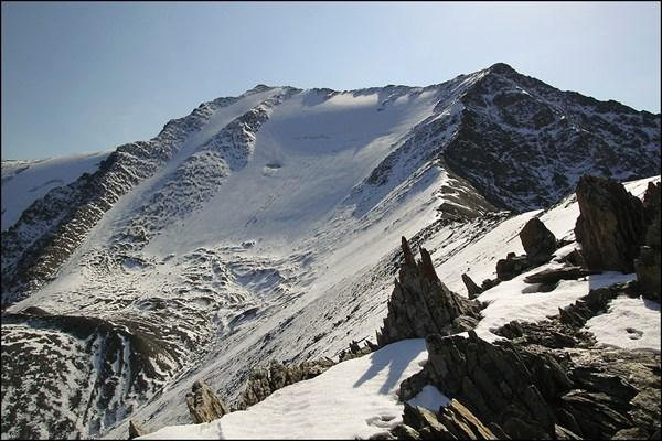 Вершина Талдуайр 3505 м с прилегающего гребня
