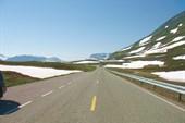 В горах еще снег не растаял