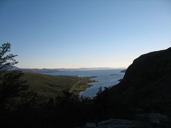 Вид на Lillefjord от водопада