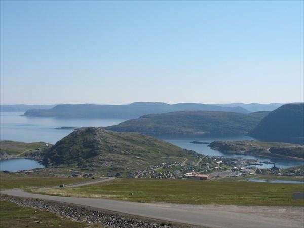 Вид на г. Хавьёсунд с поля ветряков