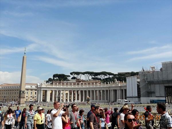 Идем в Ватикан.