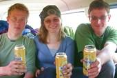 001-пиво помогает скрашивать тяготы дальнего пути