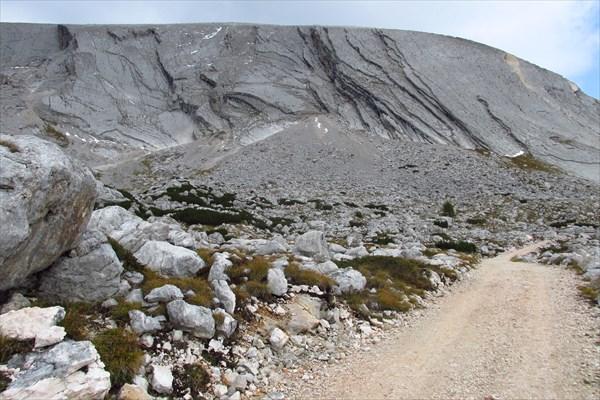 Слоистый вид горы Croda del Becco