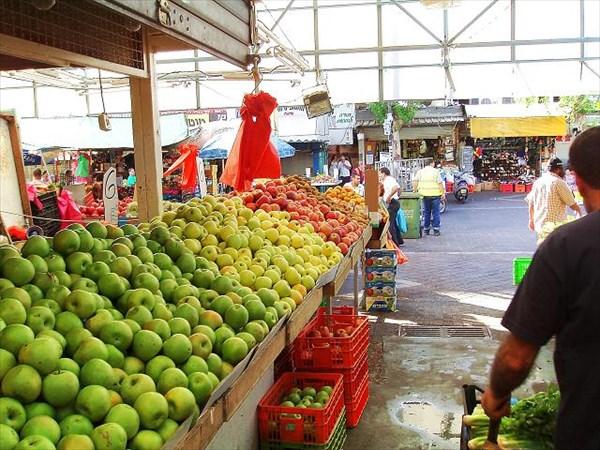 030-Нетания-рынок-яблоки