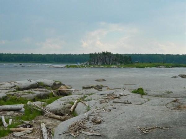 Остров Караульный.