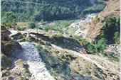 Начало подъёма по тропе в д.Гхуни