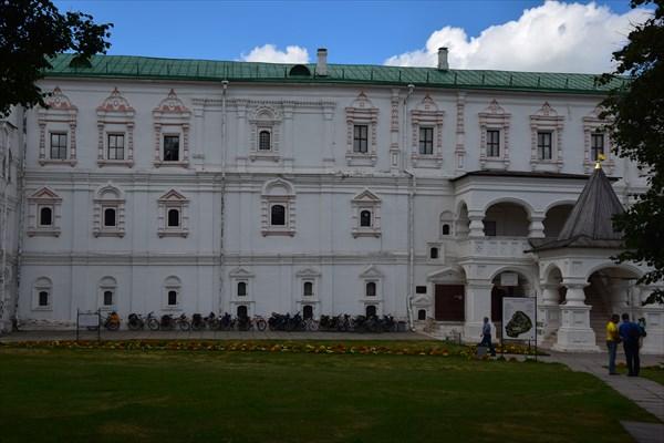 Стихийная велопарковка у Дворца Олега