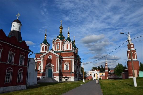 Успенская церковь и воздвиженский собор
