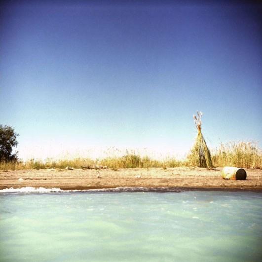 Хижина на берегу