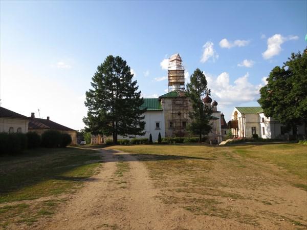 Благовещенская церковь с трапезной палатой (1524—1526)