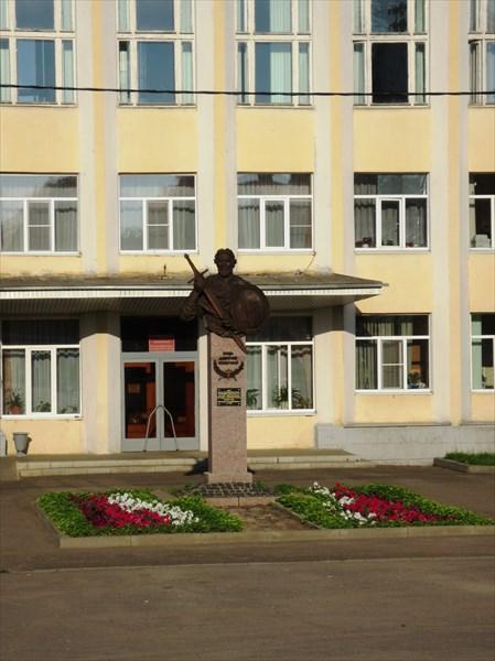 Памятник князю Дмитрию Пожарскому