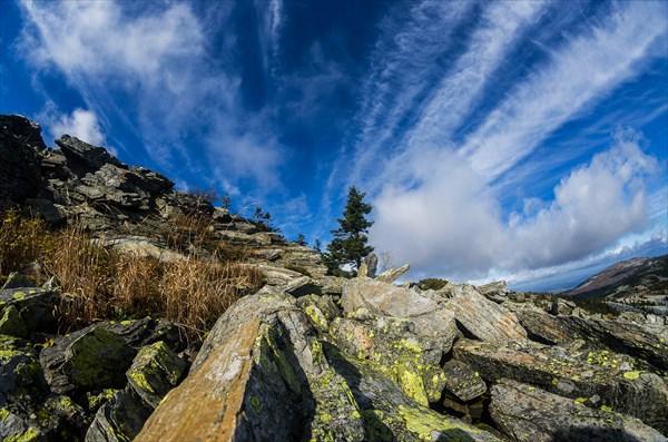 Облака над хребтом 2
