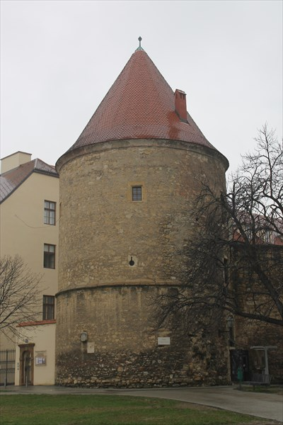 Круглая башня
