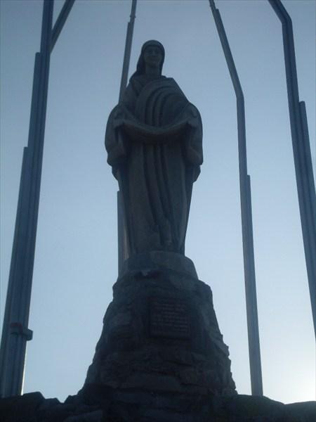 Статуя Девы Марии на вершине г. Хомяк