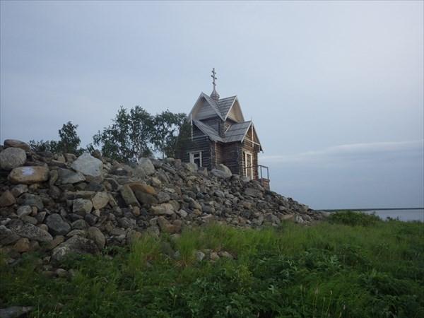 Остров на озере Варчаты