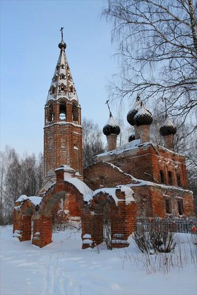 Храм Живоначальной Троицы в с. Выголово