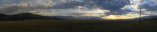 Вид с Чуйского тракта на Северо-Чуйский хребет. Закат