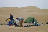 В песках Такла-Макана. Наш первый лагерь