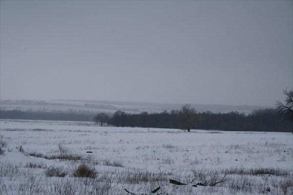 Гора Русская на горизонте (зима).
