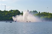 Еще один комплекс фонтановв заливе  около дамбы