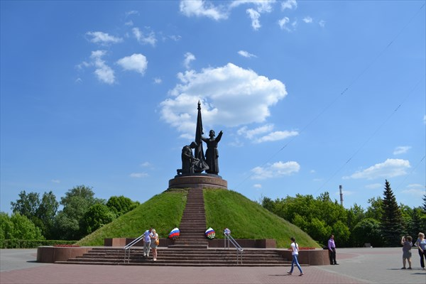 Памятник погибшим в Отечественной Войне в парке Победы