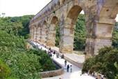 Грандиозный Акведук Pont du Garde