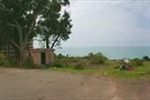 по старой Сухумской дороге вдоль моря