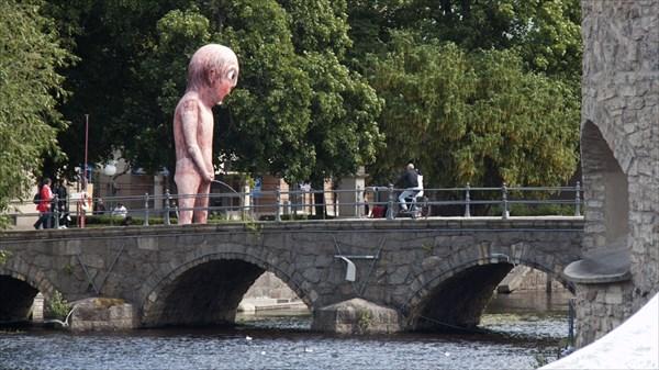 Орёбру. Город - выставка современного искусства.