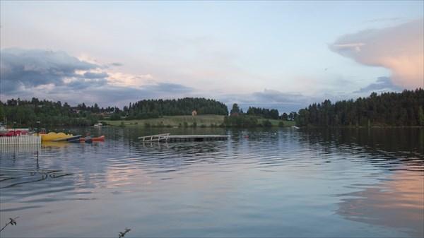 Озеро. Кемпинг Steinvik