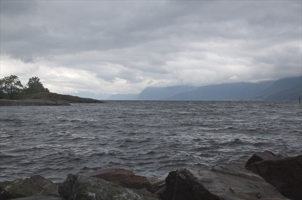 Hardanger фьорд. Вид с Lothe  кемпинга