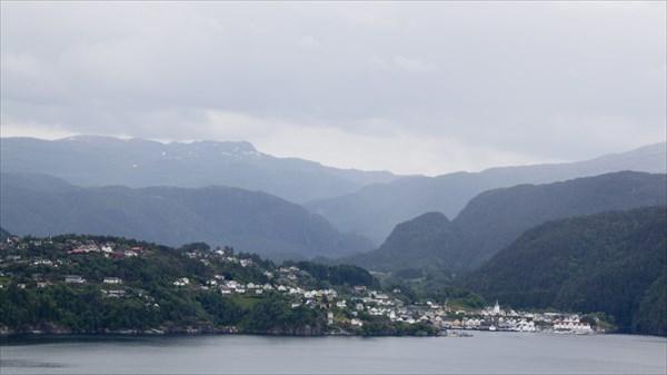 Городок Sauda на Sauda-фьорде